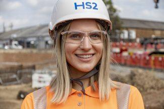 HS2 celebrates apprentices award