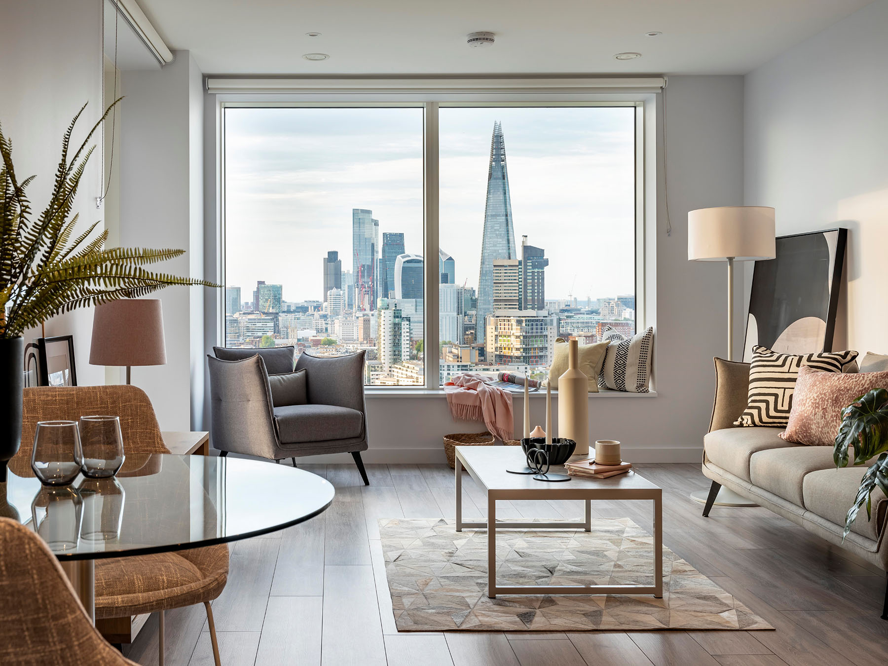 Roomservice by CORT, partnership with Living by Lendlease